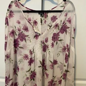 Torrid Size 3 White and Purple Floral Blouse